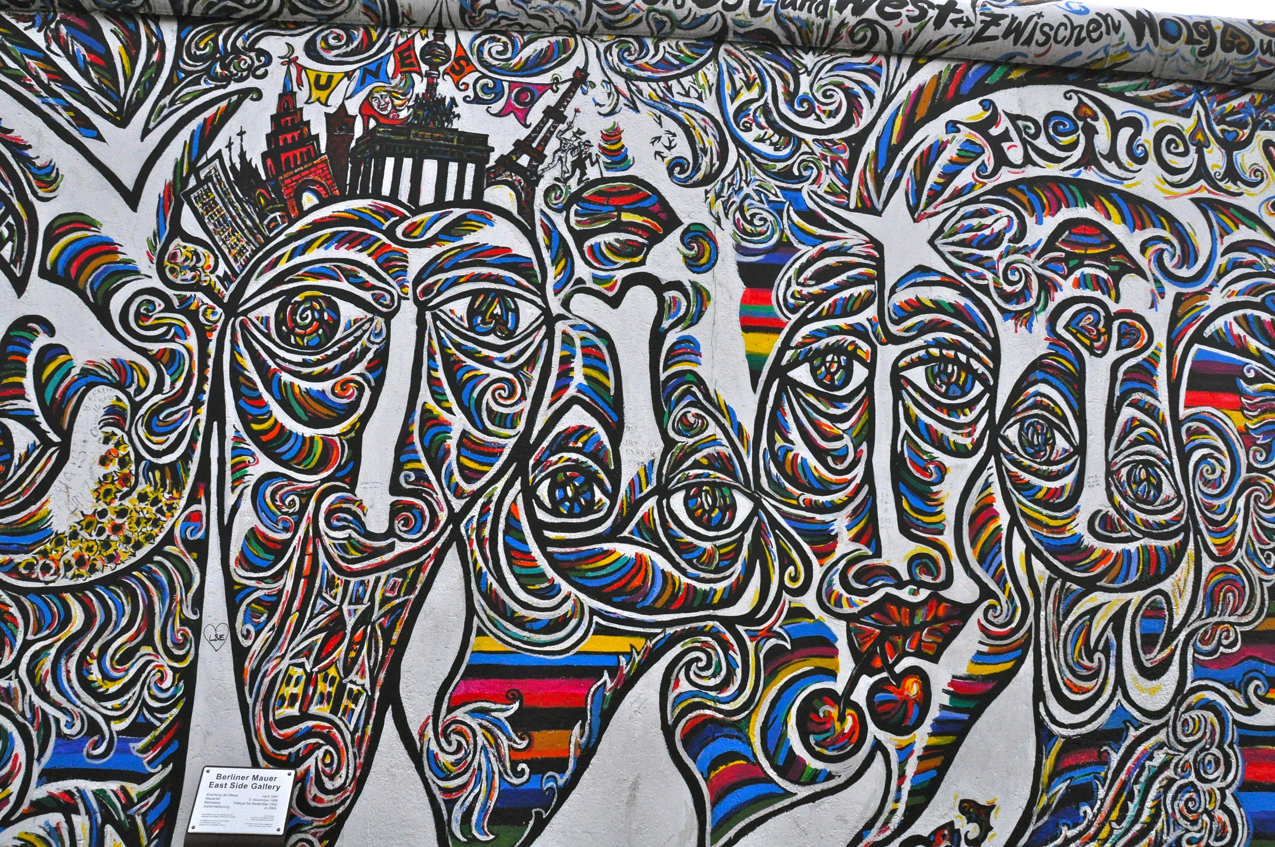 Grafiti wall berlin - Beautiful Graffiti On The Berlin Wall